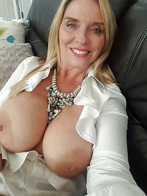 beautiful sexy naked matured body selfies