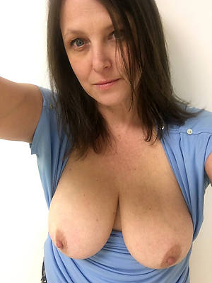 naked body selfies stripped