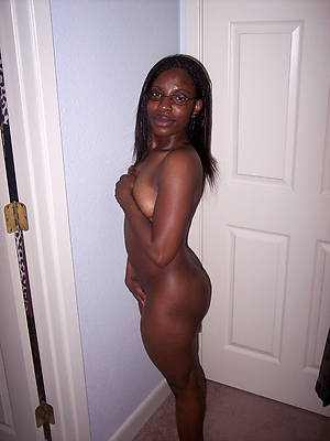 ludicrous grown up black moms nude pictures