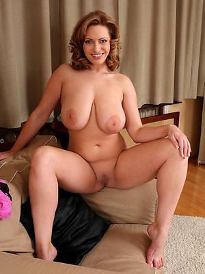 mature beauty gut nude