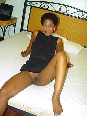 mature Negro moms porn pic download