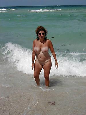 mature seashore nudes perfect body