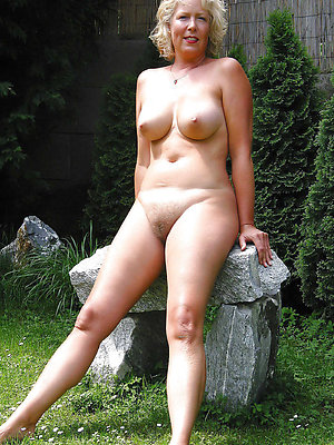 beautiful hot mature milfs
