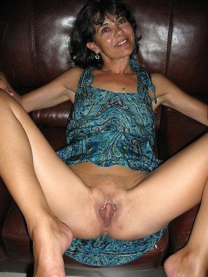 super-sexy hot mature lady nude pics