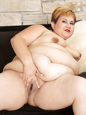 beautiful latina mature porn photos