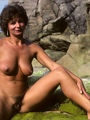 xxx grown-up naked legs pictures