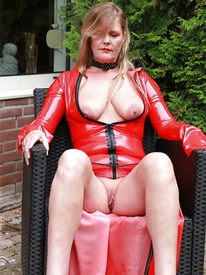 mature latex mistress penetration pics