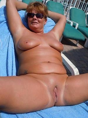 mature natural moms titties nude