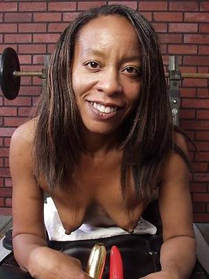 misfire mature old ebony nude photos