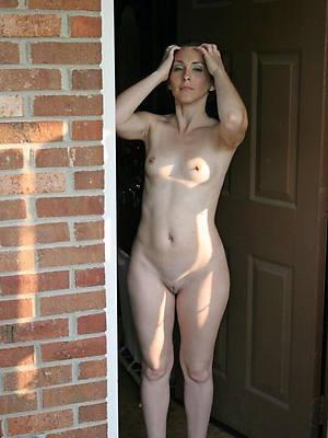 big women small tits naked porn pics