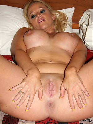 petite mature women with shaved pussies pics
