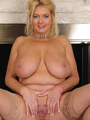 mature moms approximately big boobs porn pics