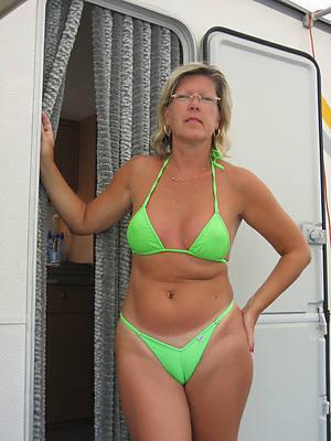 inexpert full-grown wife bikini porn pic download