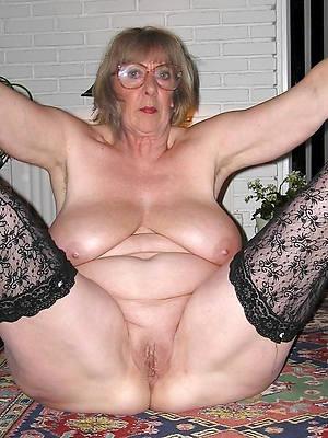 mature hot grannies tits pics
