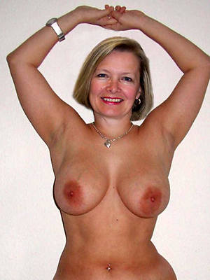 adult white tits posing nude