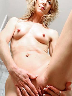 magnificent blonde mature naked porn pics