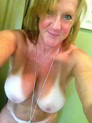 hot mature selfie slut pictures