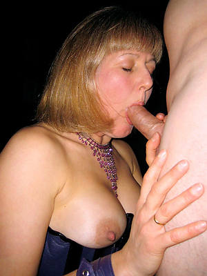downcast hot adult wife blowjob pictures