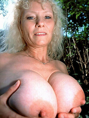 matured distended nipples naked porn pics