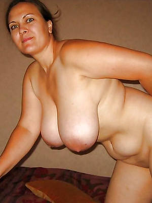 mature huge boobs nude pictures