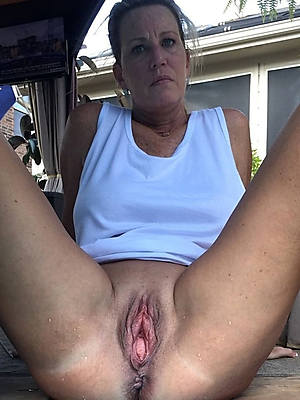 horny mature wife porn galleries