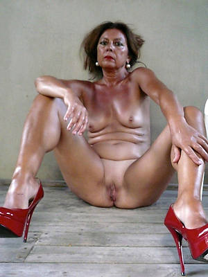 real full-grown hooves and heels pics