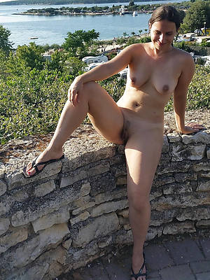 naught mature woman nude pictures