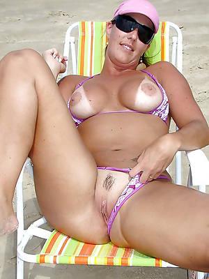 porn pics of amateur matures in bikinis
