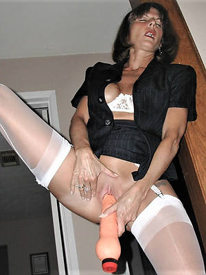 hotties mature hairy masturbation pics