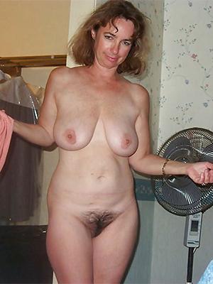 sad mature housewives naked porn pics