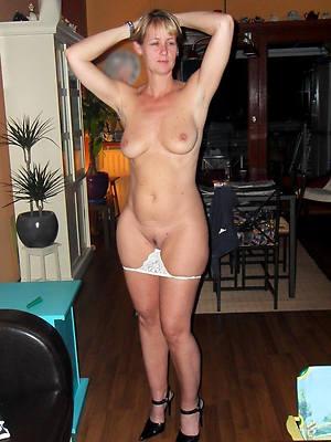 hotties real full-grown ladies pics