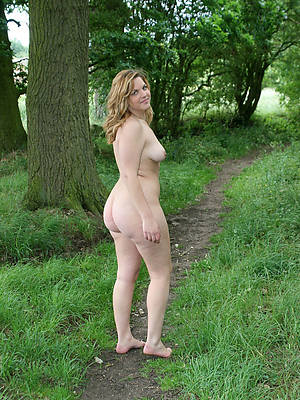 petite outdoor mature nudes galleries