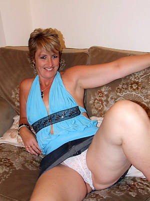 mature hairy upskirt porn pic download