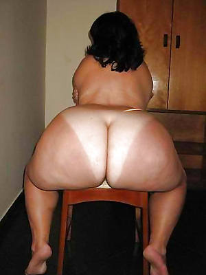 scant mature butts stripped