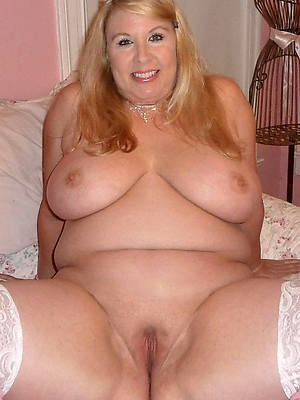 naked fat mature mom stripped