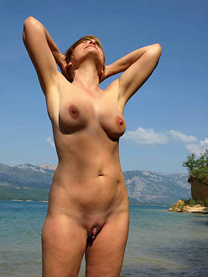 morose mature older women naked porn pics