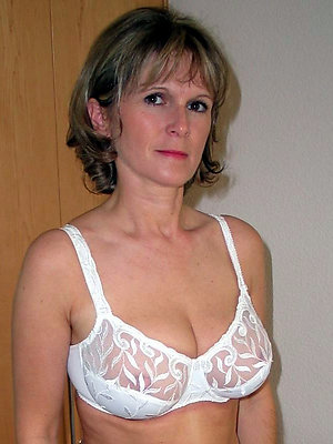 erotic of age lingerie pictures