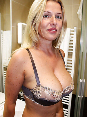 nasty mature women lingerie gallery
