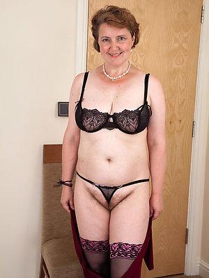 porn pics of amateur grown up lingerie
