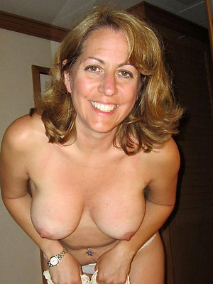 porn pics of nude mature moms