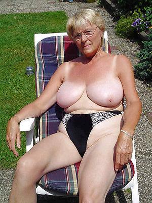 nasty mature nude moms pics