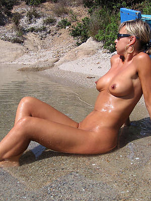 pornstar amateur mature nudist beach pics