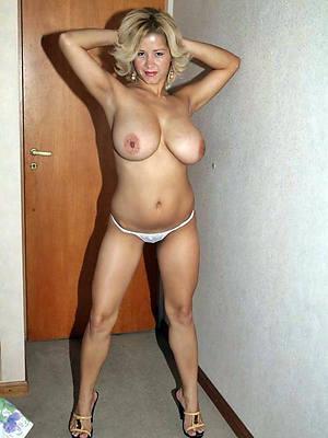 hot mere mature blonde tits pics