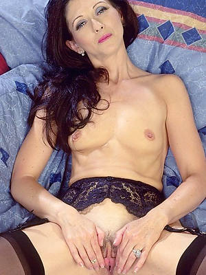 mature nude small tits porn pic download