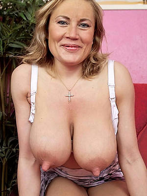 free porn pics of sexy mature puffy nipples