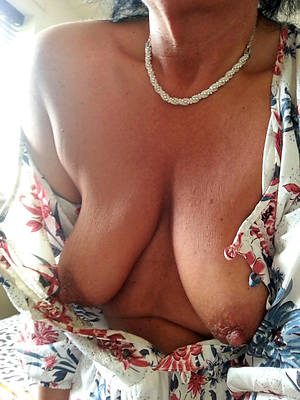 reality saggy tit mature porn pictures
