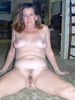 mature milfs xxx posing nude