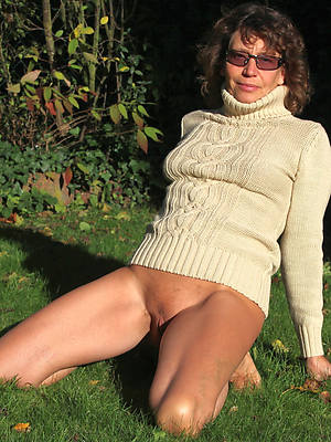 mature X-rated women mobile porn
