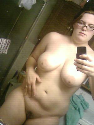 free unstatic mature posing nude