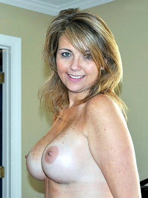 free xxx mature breast photos